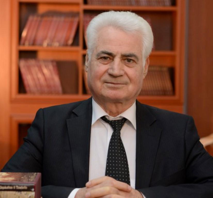 Dushan Nikolovski (Medium)